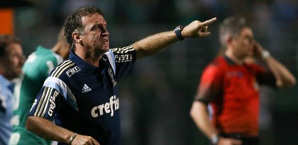 Cuca orienta o Palmeiras contra o Rio Claro, na primeira vitória no clube