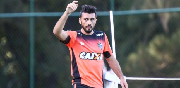 Dátolo volta a ganhar espaço dentro do Atlético-MG com a lesão de Cazares