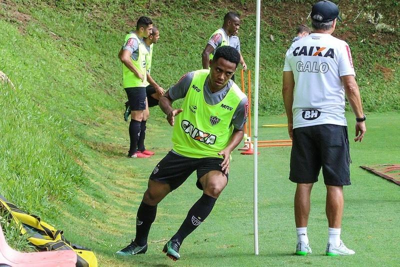 Elias já está treinando na Cidade do Galo, aguardando pela estreia