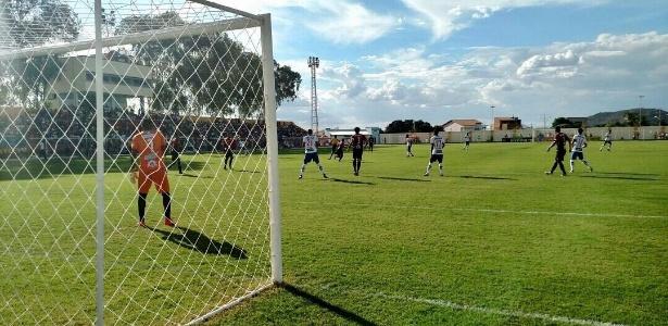 Bahia e Flamengo-BA não saíram de um empate sem gols em Guanambi (BA)