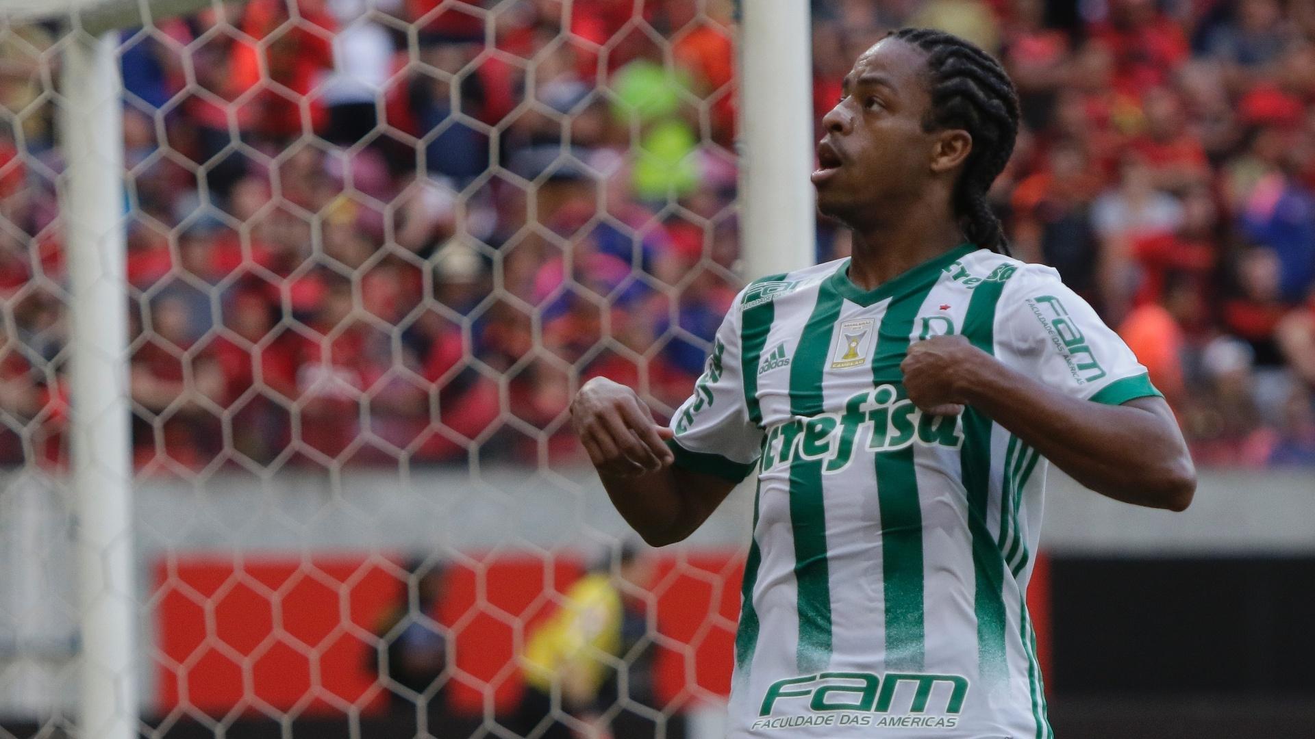 Keno marcou para o Palmeiras após belo passe de Bruno Henrique