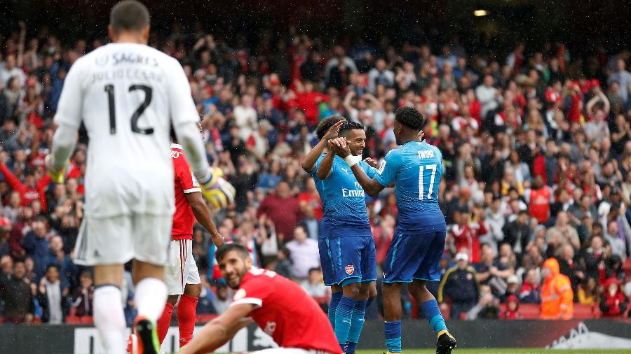 The Walcott marcou duas vezes na vitória do Arsenal - Reuters/Matthew Childs