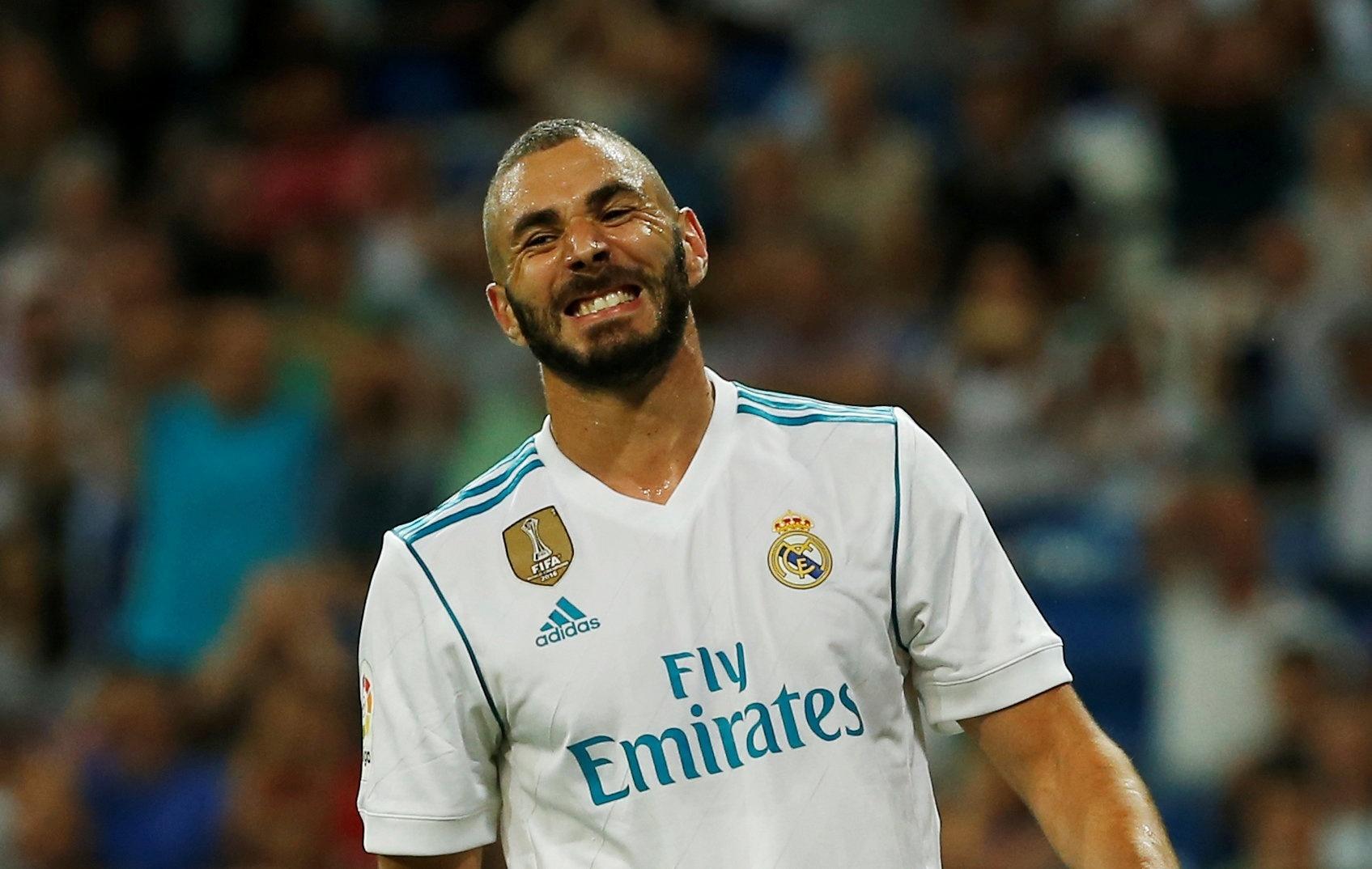 Benzema perdeu quatro chances de gol no primeiro tempo
