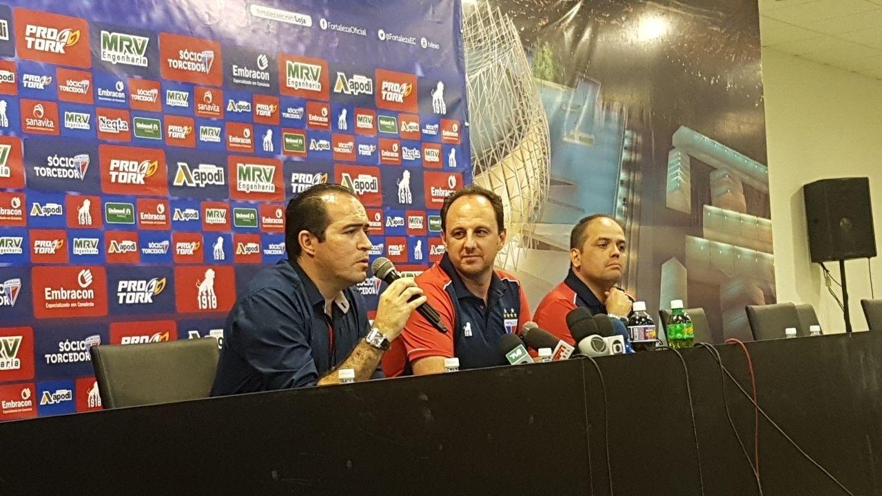 Rogério Ceni é apresentado como técnico do Fortaleza