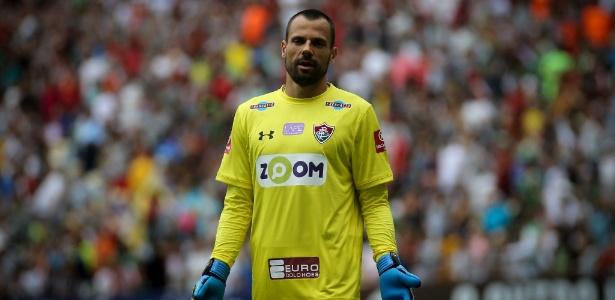 Cavalieri em ação pelo Fluminense durante jogo contra a Ponte Preta