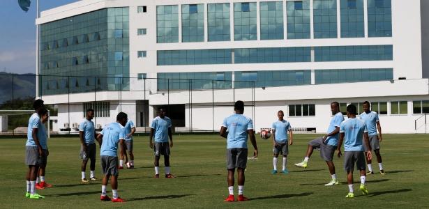 CT do Fluminense recebe atividades da equipe profissional tricolor