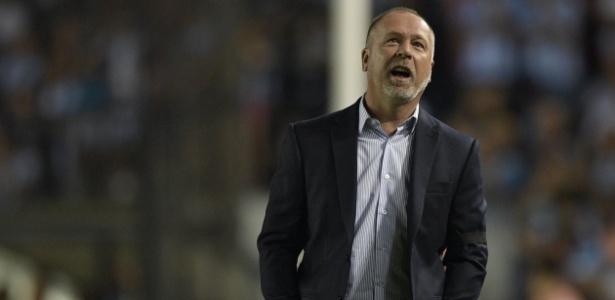 Mano Menezes detecta problemas do Cruzeiro e busca soluções para a equipe