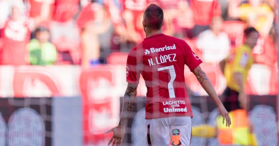 Nico López comemora gol marcado para o internacional contra o Bahia