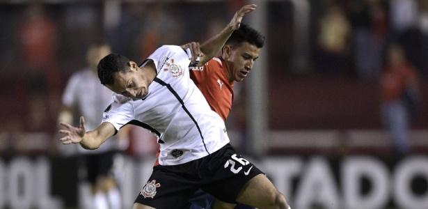Rodriguinho em ação pelo Corinthians na partida contra o Independiente