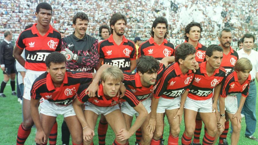 Rubro-negro revive 1992 e conta com ajuda de rival Vasco para chegar ao título