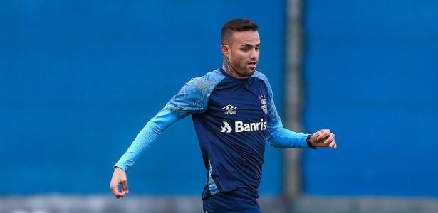 Meia-atacante fez o gol de empate do Grêmio nos minutos finais de teste