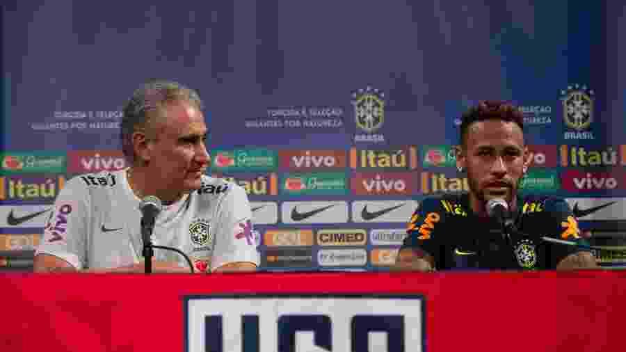 Tite (e) não cogita tirar a faixa de capitão e a moral de Neymar na seleção brasileira, mesmo após polêmicas - Pedro Martins / MoWA Press