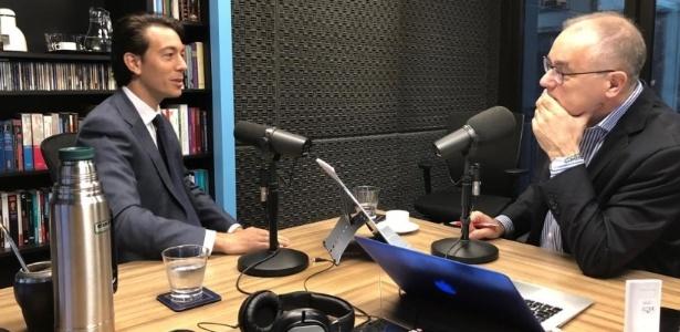 Sartori (esq.) em entrevista a uma rádio; seu plano é investir em comunicação e redes sociais - Reprodução/Twitter