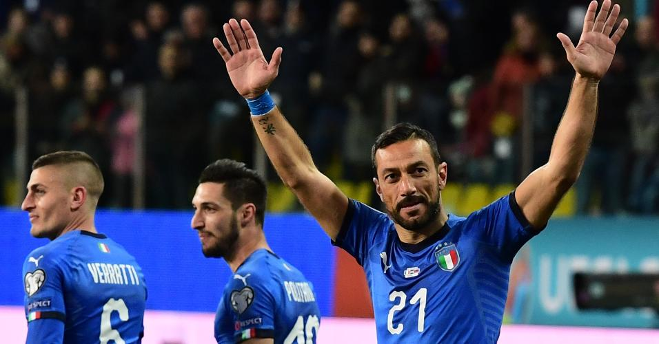 Quagliarella comemora gol da Itália contra Liechtenstein