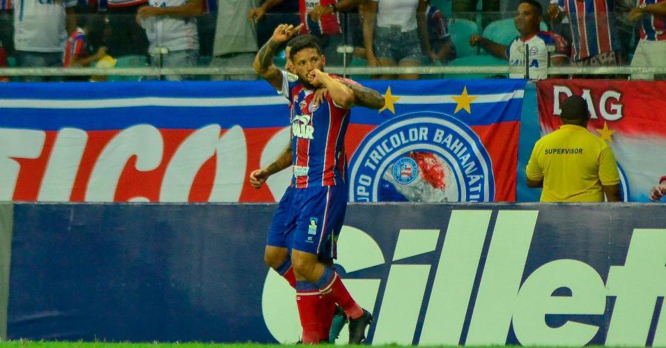 Arthur Caíke comemora gol do Bahia contra o CSA