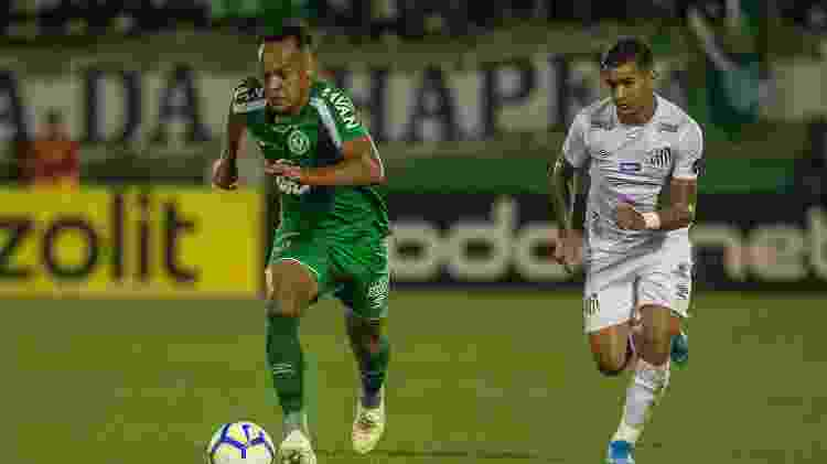 Derlis González, pelo Santos - Ricardo Luis Artifon/AGIF - Ricardo Luis Artifon/AGIF