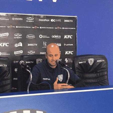Miguel Ángel Ramírez durante coletiva de imprensa - Reprodução/Twitter Independiente del Valle