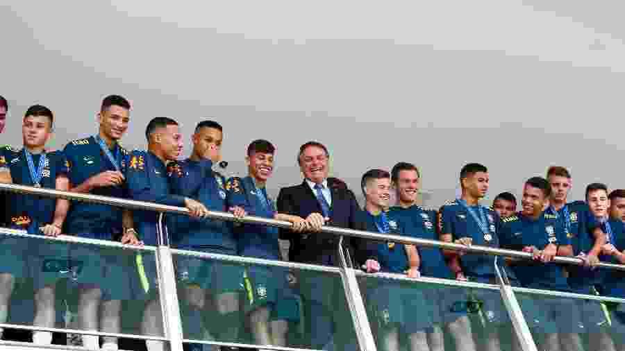Bolsonaro almoça com Seleção do Brasil sub-17, tetracampeã de futebol - Sergio Lima/AFP