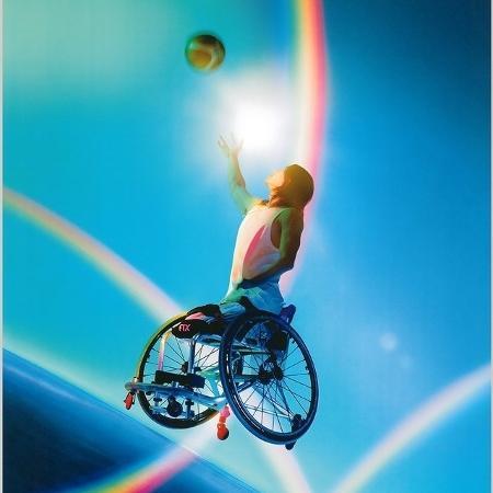 Pôster dos Jogos Paralímpicos de Tóquio criado pela fotógrafa e diretora Mika Ninagawa - Divulgação