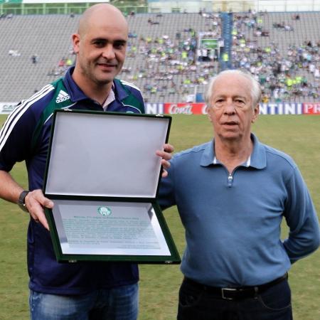 Valdir Joaquim de Moraes ao lado de Marcos; ambos fizeram grande história no Palmeiras - Fabio Braga/Folhapress