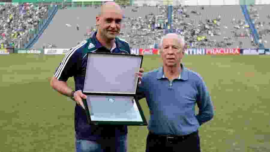 Valdir Joaquim de Moraes ao lado de Marcos; ambos fizeram história no Palmeiras - Fabio Braga/Folhapress