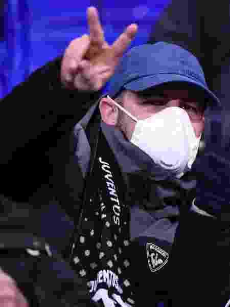 Na França, em partida entre Lyon e Juventus pelas oitavas da Liga dos Campeões, torcedores também optaram pelo uso de máscaras de proteção contra coronavírus - Franck Fife/AFP