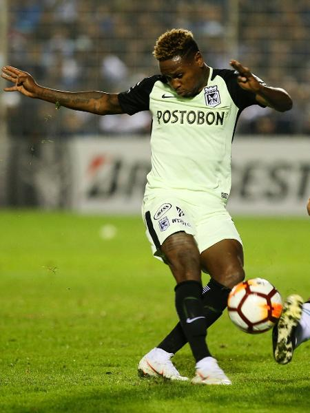 Atacante colombiano Gustavo Torres, do Atlético Nacional - Agustin Marcarian/Getty Images