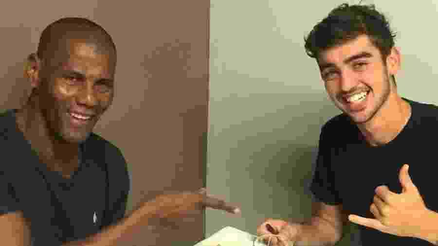Roninho Germano morou na casa de Aldair, na Itália, até conseguir um clube para seguir carreira na Europa - Arquivo Pessoal