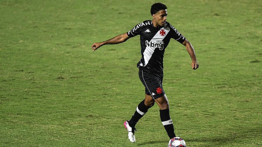 Miranda, zagueiro do Vasco - Thiago Ribeiro/AGIF