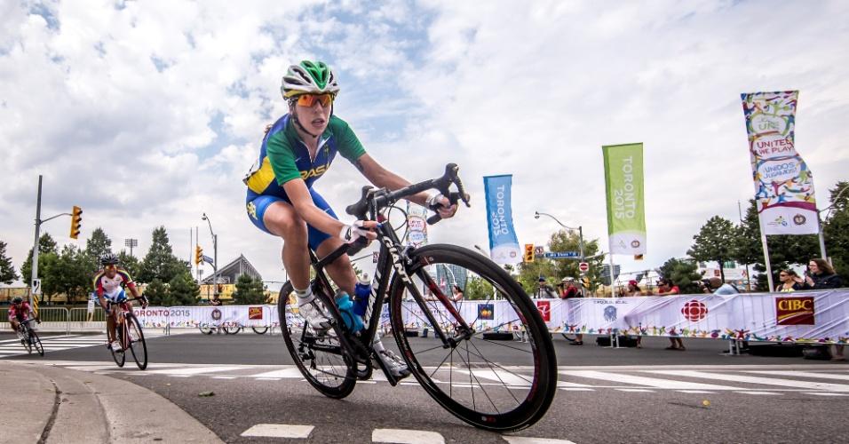 Ana Paula Polegatchdurante a prova do ciclismo de estrada. Brasileira terminou em 13º