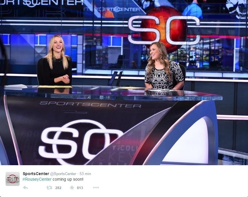 Ronda e Lindsay se divertiram bastante durante a apresentação do programa
