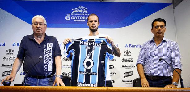 Fred é apresentado como zagueiro do Grêmio e se diz 'zagueiro construtor'
