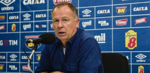 Mano Menezes detecta motivo para o Cruzeiro não render com Paulo Bento