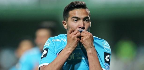 Nahuel Luján fez um dos gols do Belgrano da Argentina no Couto Pereira - AFP PHOTO / Heuler Andrey