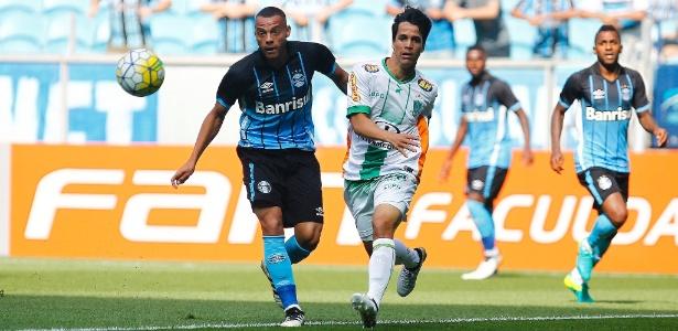 Atacante do Grêmio chega ao Botafogo por empréstimo de um ano