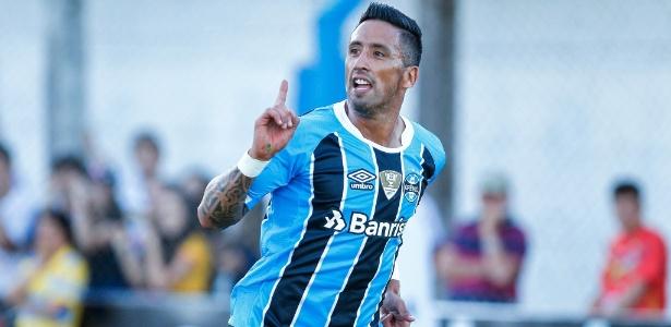 Lucas Barrios entrou no segundo tempo e definiu placar em Veranópolis