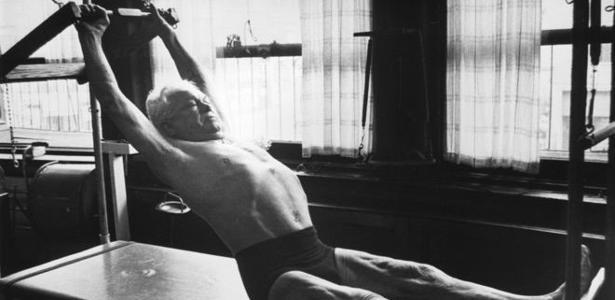 Pilates manteve seu corpo atlético durante toda a vida, inclusive pouco tempo antes de morrer, em 1967, com 83 anos