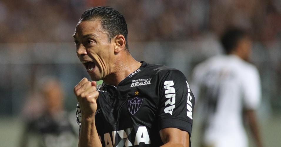 4197513ebc Ricardo Oliveira comemora gol do Atlético-MG contra o Figueirense pela Copa  do Brasil
