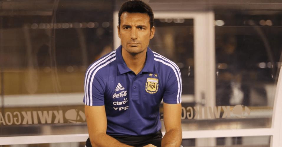 Técnico Lionel Scaloni comanda a seleção argentina em amistoso contra a Colômbia
