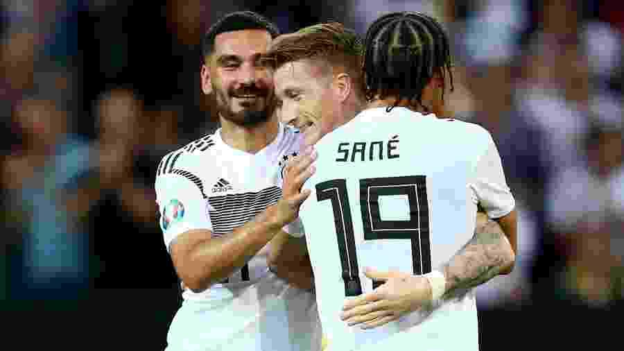 Reus comemora gol da Alemanha contra a Estônia - REUTERS/Ralph Orlowski