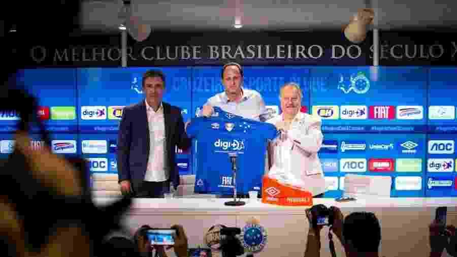 Rogério Ceni é apresentado pelo Cruzeiro na Toca da Raposa - Cruzeiro/Divulgação