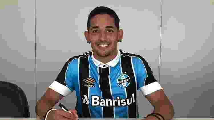 Jhonata Robert renova contrato com o Grêmio até o fim de 2022 - Divulgação - Divulgação