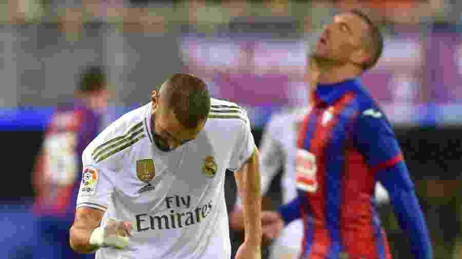 Benzema, do Real Madrid, comemora gol contra o Eibar - Ander Gillenea/AFP
