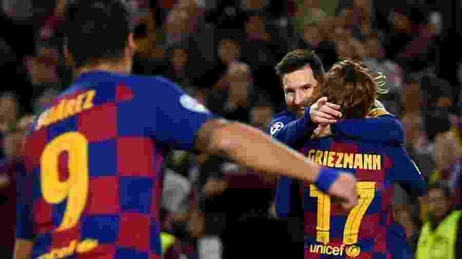 Lionel Messi comemora gol do Barcelona contra o Borussia Dortmund; time catalão pega o Real Madrid no dia 18 de dezembro - Josep LAGO / AFP