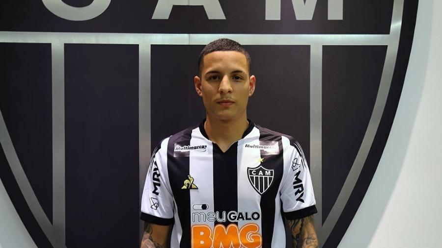 Lateral esquerdo Guilherme Arana, do Atlético-MG, revela interesse do Palmeiras no mercado da bola - Divulgação/Atlético-MG