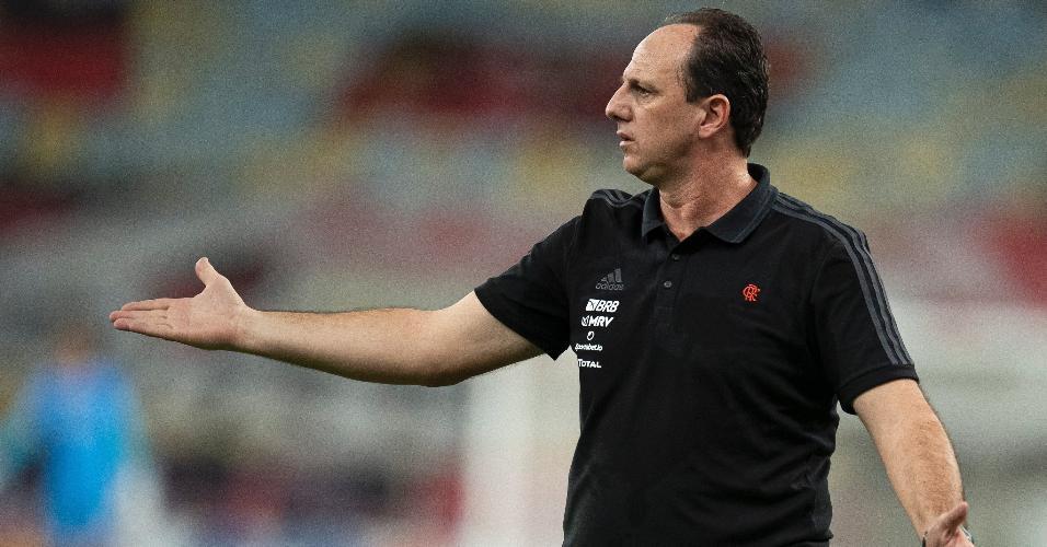 Rogério Ceni comanda o Flamengo contra o Bahia, em jogo do Brasileirão
