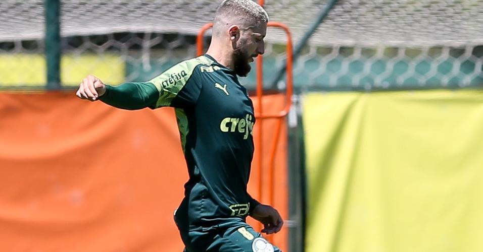 Zé Rafael durante o treino do Palmeiras nesta terça (23), na Academia de Futebol