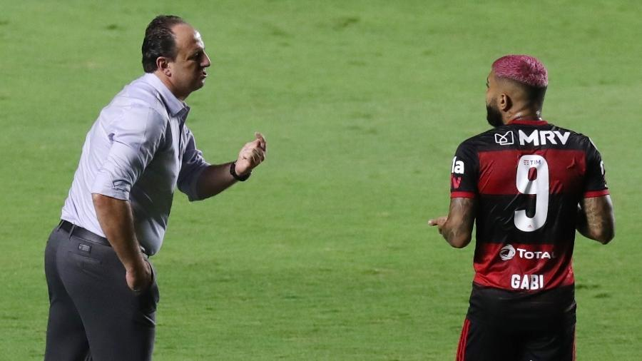 Apesar do título brasileiro, Rogério Ceni precisa evoluir. Muito
