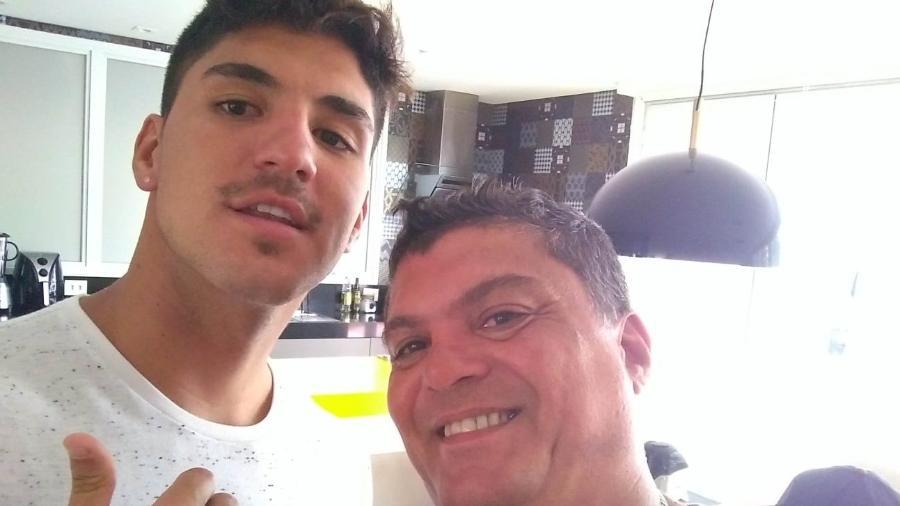 Gabriel Medina e o pai, Claudinho - Arquivo pessoal