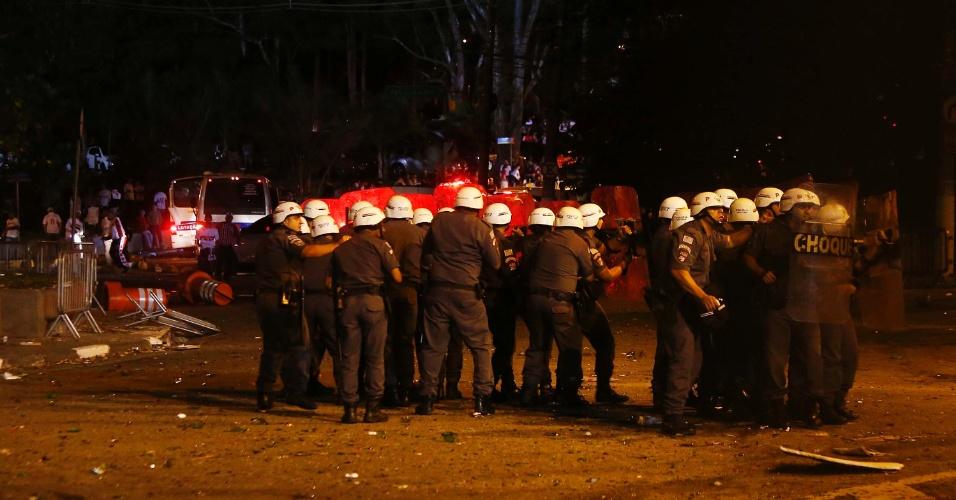 Polícia entra em conflito com torcedores do São Paulo após o jogo